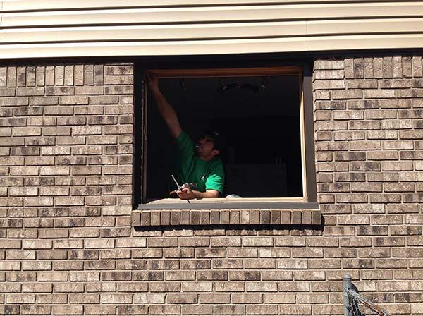442428-650538-tb-green-tshirt-windows